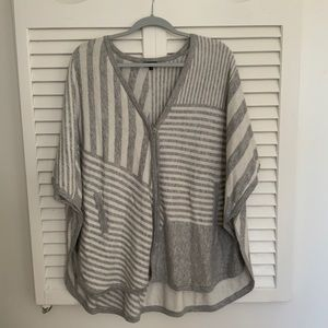 Splendid Gray and White Pancho